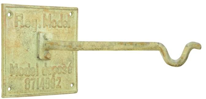IH hook on wallplate. Cast iron. 12,4x20,4x12,4cm. oq/6,mc/12 Pg.107