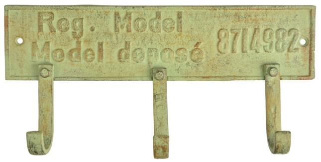 IH 3 hooks on plate. Cast iron. 27,3x4,5x13,0cm. oq/12,mc/12 Pg.107