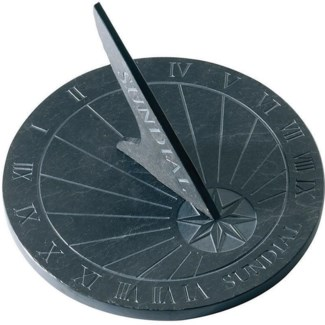 Slate sundial text round. Slate. 25,0x25,0x1,6cm. oq/6,mc/6 Pg.96