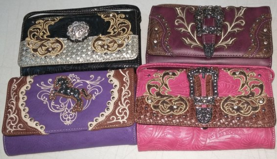 Clutch Accessory Bag Asst.  **Discontinued**