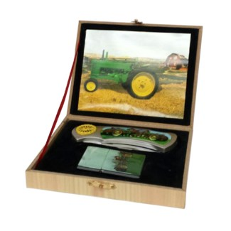 Green Tractor Knife with Lighter Set