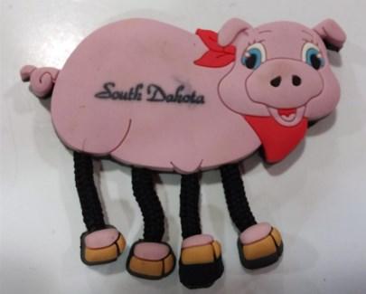 SD Magnet Pig Dangle Leg