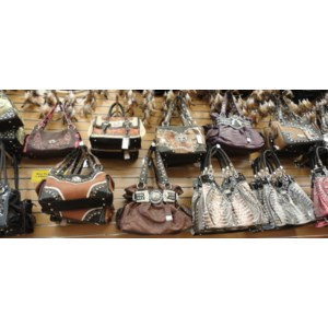 008-Purses & Wallets