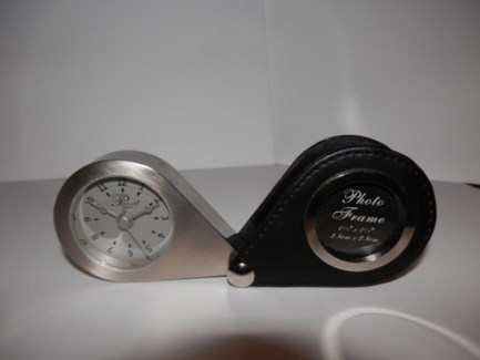 TRAVEL ALARM CLOCK W/ BLACK CASE