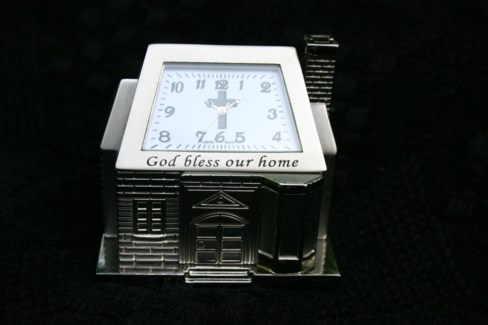 SIL HOUSE CLOCK W/SCRIPTURE
