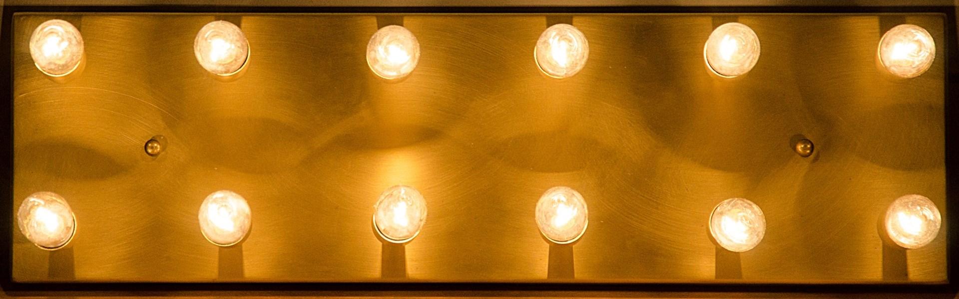 Z Half Frontal Lamp