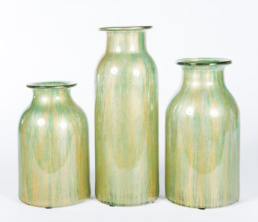 Medium Urn in Fresh Sprout Finish