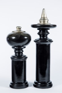 Medium Finial in Black Pearl Finish