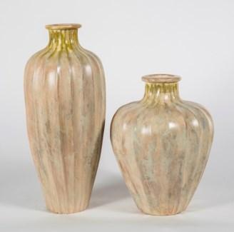 Large Ribbed Vase in Alabaster Finish
