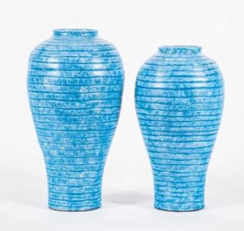 Large Ribbed Watkins Vase in Cayman Bay Finish