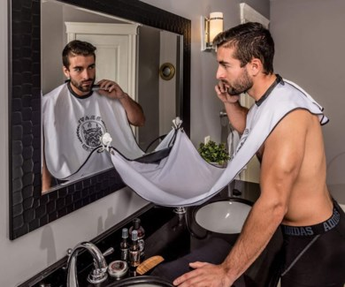 SHAVING CAPE BEARD BIB